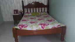 Vendo cama de mogno pesado
