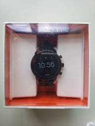Smartwatch Fossil, frequência cardíaca, GPS e pagamento NFC (FTW4018)
