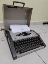 Máquina de Datilografia Olivetti Tropical - Anos 80