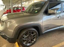 Jeep Renegade 1.8 Limited super novo, ainda na garantia