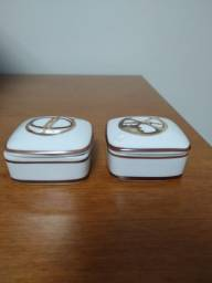 Delicados mini potes em porcelana