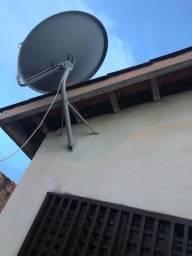 duas antenas em perfeito estado de conservação