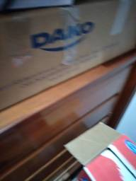 Fogão  Dako Cookl top Preto glass com o balcão  branco  com duas portas e prateleiras