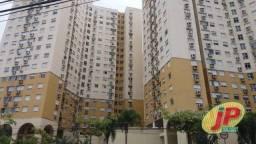 Apartamento na AV Bento