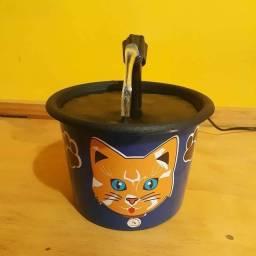 Vendo fonte de gato
