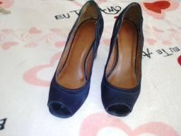 Sandália de salto grosso azul marinho