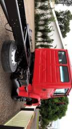 Caminhão 1318 ano 2008