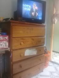 Cômoda e tv com conversor e antena