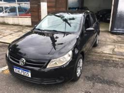 Vendo ou troco Volkswagen voyage 2012, motor 1.0 flex , completo , impecável , financio