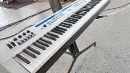 Teclado / PIANO DIGITAL PRIVIA PX5S