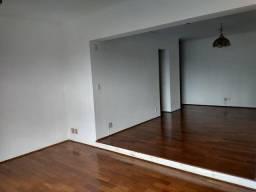 Apartamento com 4 dormitórios para alugar, 145 m² por R$ 900,00/mês - Centro - Bauru/SP