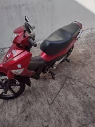 Moto Traxx sky 125 muito nova e economia!!!