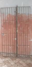 Portão de ferro para porta balcão
