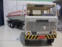 Brinquedo antigo caminhão antigo