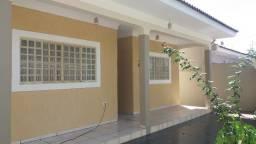 Casa térrea, 03 quartos ,Pq. Cedral , excelente localização !