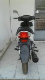 Vendo moto bem conservada - 2013