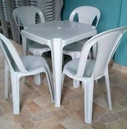 Mesas e cadeiras 182KG
