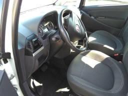 Lindo Fiat Idea carro de mulher - 2012