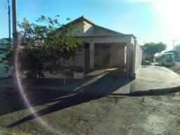 Casa e edícula vendo ou troco ( aluguel 950 reais )