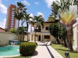 Casa duplex de alto padrão localizada no bairro Luciano Cavalcante. (CA0915)