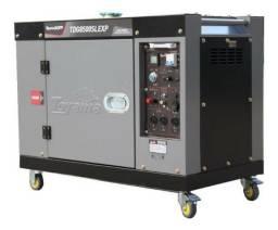 Gerador de Energia 7KVA a Diesel - Toyama - Poucas horas de uso