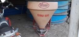 Adubadeira Vicon de disco 600 litros