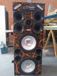 Caixa de som, 2 auto falantes de 12, 4 cornetas, 2 módulos, fonte nova, luz de led