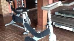 Bicicleta ergométrica e spining