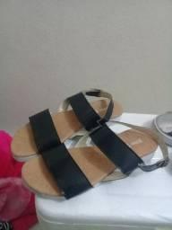 Sandália e tênis feminino 10 reais cada