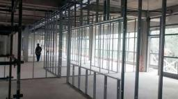 Pessoa com experiência em instalação de acartonado em Friburgo