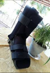 Bota Ortopédica semi nova usada 1 mês