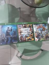 3 jogos de xbox one ,GTA V,Resident evil 4,sunset Overdrive