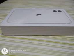iPhone 11 Branco, desbloqueado 128 GB - lacrado.