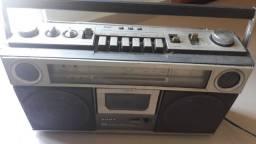 Radio antigo de colecionador.