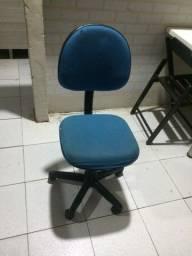 Vende se essa cadeira