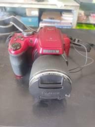 Câmera semi profissional Finepix S 8200