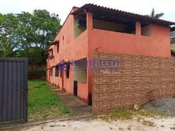 04 casas com quintal em Manguinhos !!!