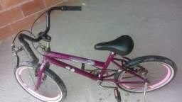 Bicicleta aro 20 conservada.