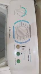 Máquina de lavar 12k da marca Eletrolux