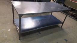 Mesas sob medida em aço aço