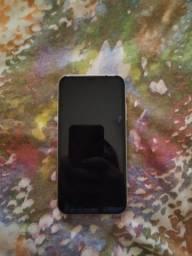 iPhone XR R$3.000