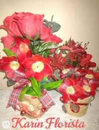 Arranjos de flores vermelhas