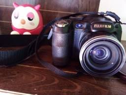 Camera fuji s2800 150,00