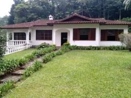 Casa com 3 dormitórios à venda, 163 m² por R$ 950.000,00 - Carlos Guinle - Teresópolis/RJ