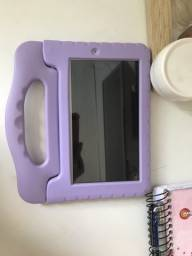 Tablet semi novo Frozen plus, 16gb.