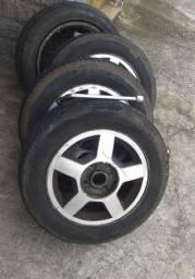 Jogo de rodas e pneu