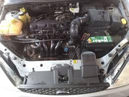 Ford Focus 1.6 flex alarme trava ar condicionado pegando tudo ótimo carro