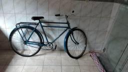 Duas bicicletas monark e patavium