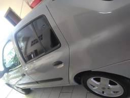 Raridade - Clio Sedan 2004 Privilége - 2004