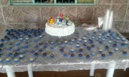 Faço bolos , tortas salgadas, docinhos e sagados por encomenda